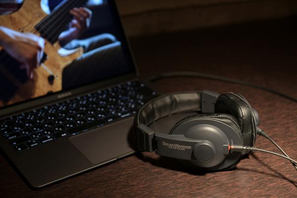 SOUND WARRIOR、オンラインライブ試聴のためのヘッドホンを発売