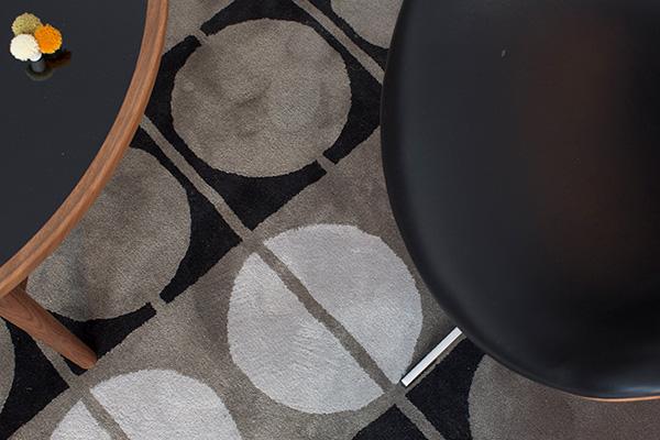 「ワンコレクション」は、北欧デザインの巨匠であるフィン・ユール氏がデザインしたラグを復刻