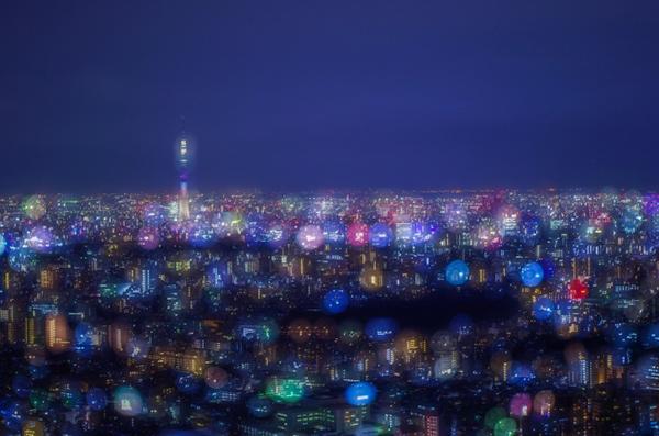 第1回 入賞作品 「アメ玉みたいな東京の街」