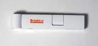 USBプラグを収納可能 4ポートスティックハブ