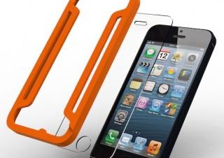 一発で正確に貼れるサポーター付き! iPhone 5s用強化ガラスフィルム