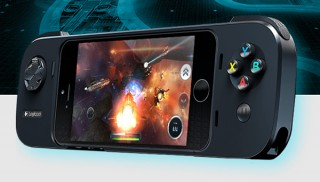 ロジクール、iPhoneを差し込んでゲームできるゲーミングコントローラ