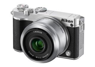 小型ボディに高速撮影を備えた「Nikon 1 J5」