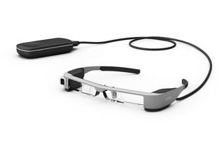 """エプソン、スマートグラス「MOVERIO」の第3世代モデルで""""スクリーン感""""を意識させない映像を実現"""