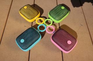 フロントフィールド、カラーリングが特徴的なDreamwave社のBluetoothスピーカー「Bubble Pods」