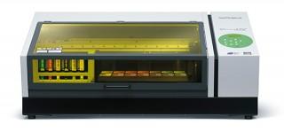 ローランドDGがフラットベッドタイプのUV-LEDプリンタの新モデル「VersaUV LEF-200」を2月発売