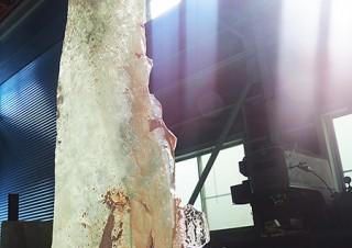 西中千人氏によるリサイクルガラスのパブリックアート展示「一瞬に煌めく永遠」