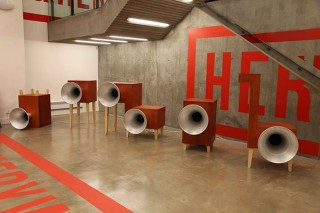 """形のない""""音""""をアートとして表現した作品などが集まる「音をとらえる」展"""