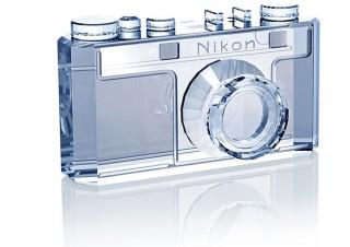 カメラをクリスタルで再現したアイテムも登場!ニコンが創立100周年の記念モデルとグッズを受注開始