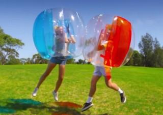 ぶつかって転がって遊べる「バブルボール」が9月1日発売!バンダイ子会社から