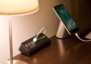 サンワ、机に固定して使えるクランプ式の4ポートUSB充電器を発売