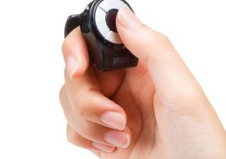 サンワ、指に装着して親指で操作する指輪型のマウス「MA-RING-WW」を発売