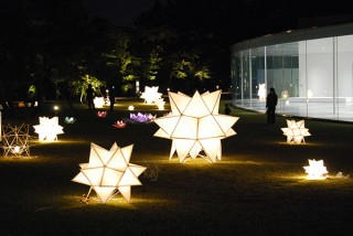 手作りの灯りのオブジェ150個で城下町の秋の夜が幻想的に演出される「金澤月見光路2017」
