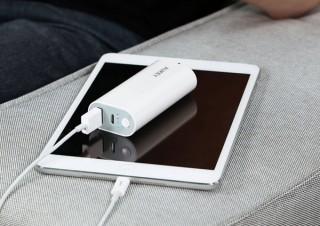 AUKEY、容量6700mAhでミニサイズのモバイルバッテリーを発売