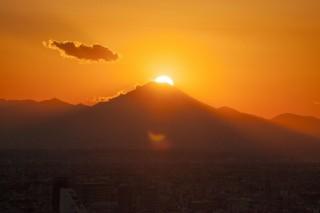 ダイヤモンド富士などサンシャイン60展望台からの写真を募る「海抜251mのフォトコンテスト」