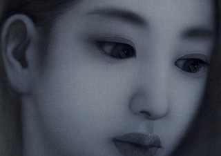 布地に墨汁を塗って黒い下地にする独自の技法が特徴的な松永賢氏の個展「love passion」