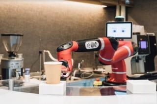 ロボットが本格ドリップコーヒーの販売や提供を行う「変なカフェ」がオープン
