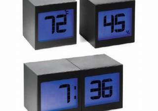 MoMAの春夏アイテム。くっつけると時計離すと温度計など、ユニークなデザインが多数