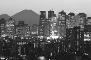 変化し続ける都市の姿をとらえた中谷吉隆氏の写真展「蠢く街 新宿 What 1955-2017」