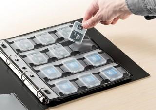 SD・microSD・CFカードなどを最大60セット収納できる、サンワサプライのコンパクトメディア収納システム