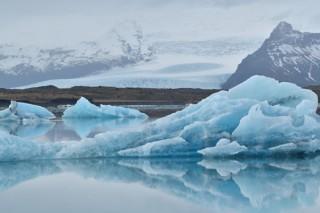 菊池哲男氏の写真展「D850と行く3月のアイスランド」が3会場で順次開催