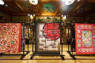 東京都指定有形文化財を舞台に380点以上のキルトを展示する「和キルト×百段階段 2018」