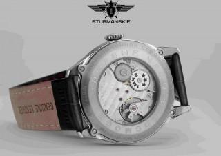 """""""地球は青かった""""のガガーリンも使ったあの時計に限定スケルトンモデル「グラスバック」が登場"""