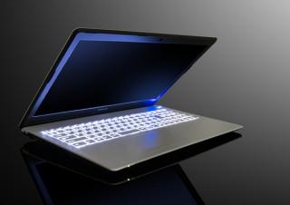 マウス、乃木坂46が出演する新CMの公開記念で15.6型ノートPC「m-Book B506H」を発売