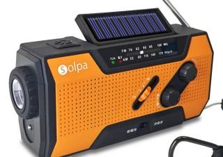 クマザキエイム、手回し・ソーラー・USBの3通りの方法で充電できる防災用ラジオを発売