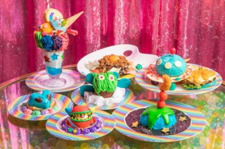 "「KAWAII MONSTER CAFE」が""宇宙""をテーマに3周年記念フェアを開始"
