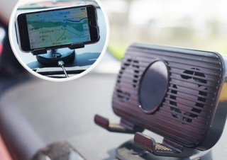 スマホをドライブナビとして使う時、冷却機能で熱暴走を防いでくれる「車載用スマホホルダー」