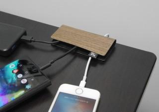 取り外したケーブルもスッキリ、デスク上で端子を隠せるケーブルホルダー