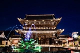 噴水ライトアップも楽しめる「京都 食とアートのマーケットin東本願寺2018」
