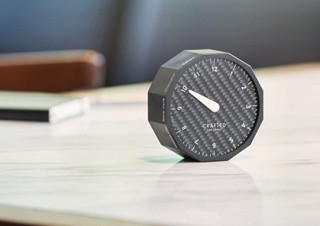 「LEXUS DESIGN AWARD」の受賞作品の商品化で美しい照明と世界時計の販売がスタート