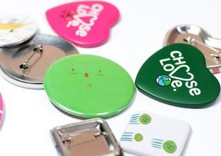アドプリントが「缶バッジ」製作の注文受付を開始!円や正方形はもちろんハート型にも対応