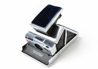 蔦谷家電、インスタントカメラ「ポラロイドSX-70」の復刻版限定モデルを発売