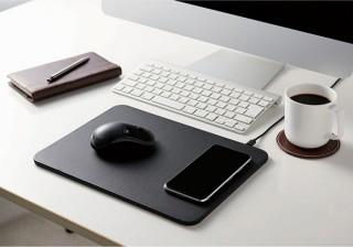 エレコム、Qi規格対応でスマホを上に置いて充電もできるマウスパッドを発売