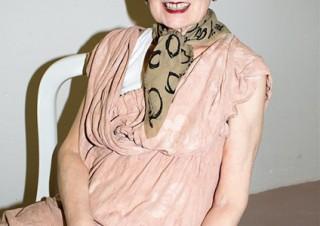 ヴィヴィアン・ウエストウッドがファッションとアートの融合を表現した展覧会「GET A LIFE!」を開催