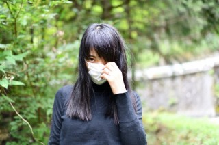 一般女性の人生を聞き取って心象風景を写真で表現するインベカヲリ★氏の個展「ふあふあの隙間」