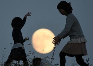 「第5回 ふくしま星・月の風景フォトコンテスト入選作品展」の東京巡回展が開催中