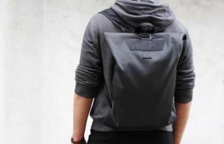 旅好きミニマリストのためのバックパック「Alex backpack」。クラウドファンディングを開始
