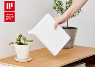 本棚にしまえる、スマートなブック型ジョーロ「Water server Mizusashi」がiFデザインアワードを受賞