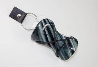 メガネの鯖江がこんどは携帯用・傘フォルダーをつくった!? アクセサリーにもなる「SAYA」