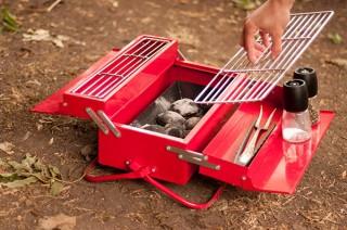 アールオーエヌ、手軽にソロキャンプができるSUCK UKのBBQグリル発売