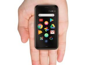 プラススタイル、手のひらサイズのスマホ「Palm Phone」を発売