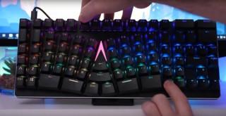 自然な角度で長時間タイピングできる、プロ向けメカニカルキーボード「X-BOWS」発売