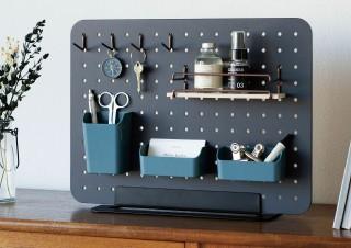 キングジム、カスタマイズ自在の卓上収納ボード「PEGGY(ペギー)」発売