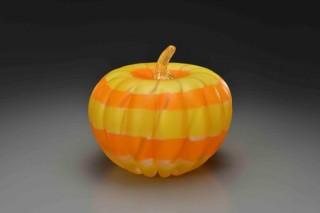 ポップな果物や野菜のオブジェシリーズも発表される藤田潤氏のガラス新作展「Brilliant Color」