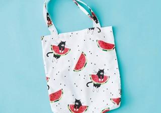 フェリシモ、ハチワレ猫とスイカがコラボしたデザインのバッグとワンピースを発売