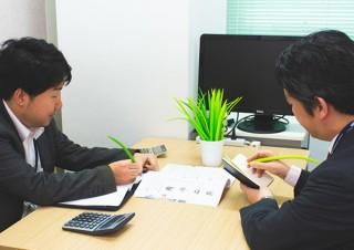 上海問屋、一目では観葉植物と見分けがつかないボールペンセット「デスクトップ草」を発売